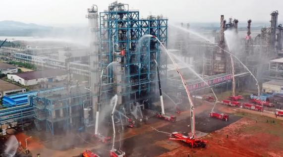 火场大练兵!消防机器人参加江西省危化品灾害事故处置跨区域实战演练